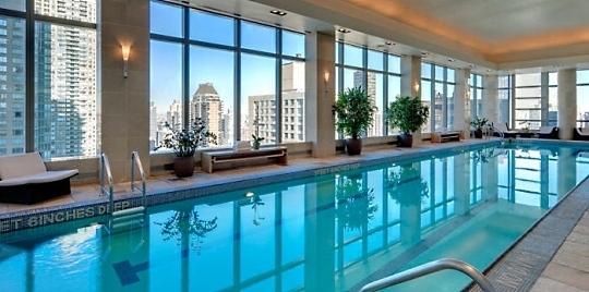 H tel mandarin oriental new york un s jour dans l 39 un des for Hotel avec piscine new york