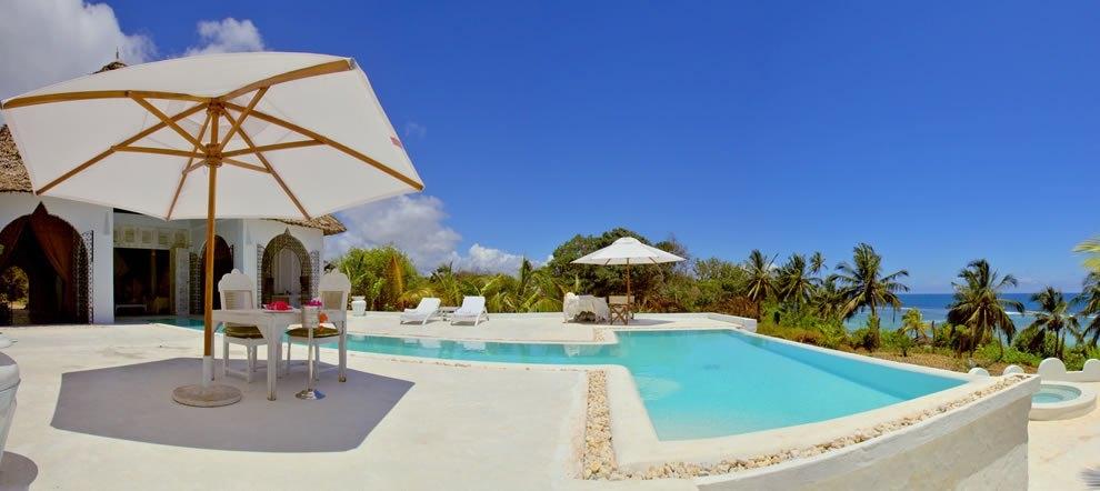 Piscine vue hôtel Msambweni Beach House