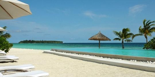 hotel-cocoa-island2